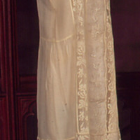 Side View of 1925 Daisy Chain Dress