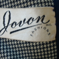 Label View of Navy and Cream Houndstooth Jacket