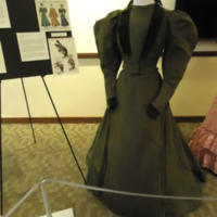 3/4 view of Green Day Dress